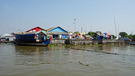 floating village in the tonle sap lake in cambodia Banco de Imagens