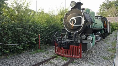 Vieux train coloré à hua hin en thaïlande