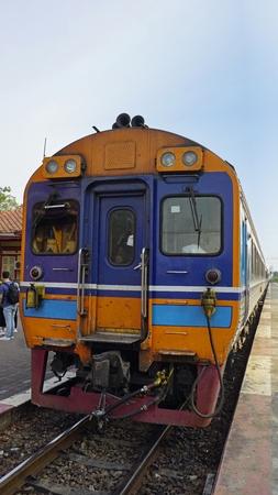 train crossing royal train station of hua hin Imagens