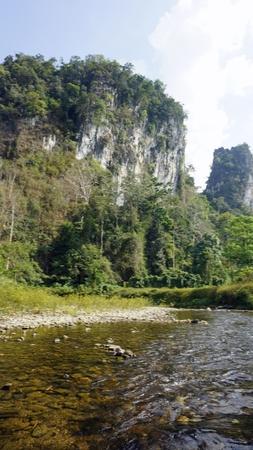 rafting in khao sok in thailand Standard-Bild - 120714348
