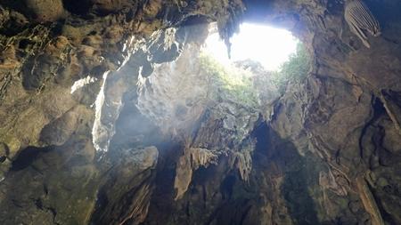 buddha cave khao lunag in phetchaburi thailand Standard-Bild - 120714484