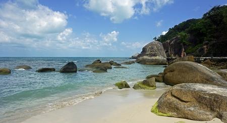 tropical silver beach oh koh samui in thailand Standard-Bild - 120714622