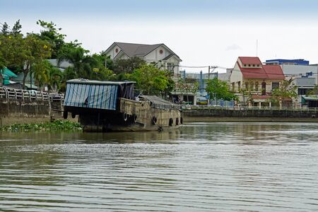 river shore life in can tho in southern vietnam