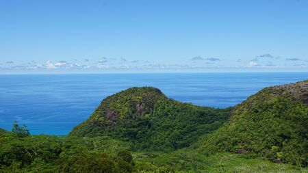 amazing tropical landscape on the seychelles islands Stockfoto - 147971689