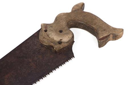 serrucho: Imagen de la sierra de mano con mango de madera sobre fondo blanco