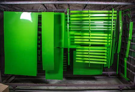 ワーク ショップでは金属の詳細の粉体塗装 写真素材