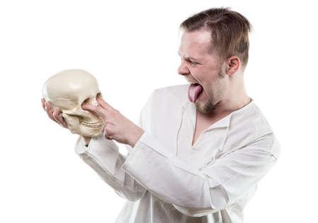 calavera caricatura: Hombre cómico con cráneo humano