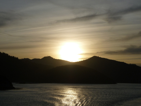 downunder: Sunset in the Cook Strait, New Zealand