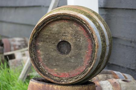Vecchi barili in un museo Archivio Fotografico - 90995445
