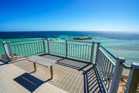 looking at the ocean on a sunny day from eagle bluff at coral coast, western australia