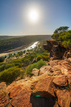 Hiking the canyon. sun over natures window loop trail, kalbarri national park, western australia Stockfoto - 116265576