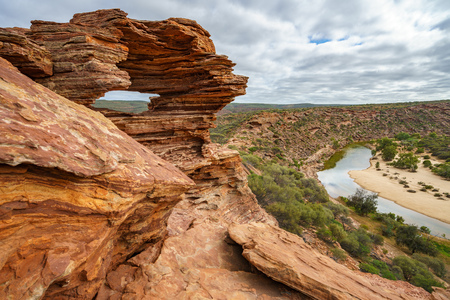 natures window in the desert of kalbarri national park, western australia 스톡 콘텐츠