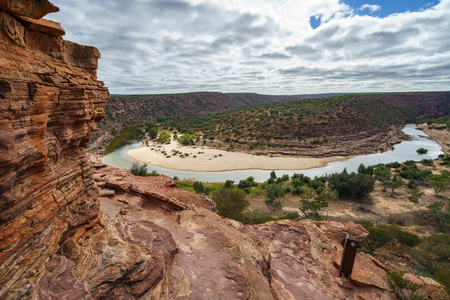 Hiking horseshoe bend of murchison river, natures window, kalbarri national park, western australia Stok Fotoğraf