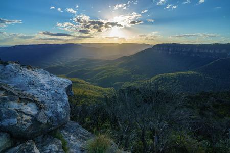 tramonto a lincolns rock, parco nazionale delle montagne blu, australia