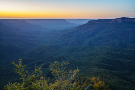 sunrise at sublime point lookout, blue mountains national park, australia