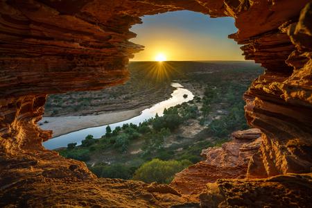 sunrise at natures window in the desert of kalbarri national park, western australia Imagens