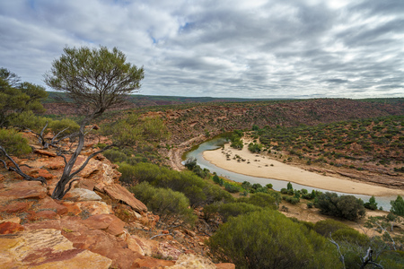 Hiking the canyon. natures window loop trail, kalbarri national park, western australia 스톡 콘텐츠
