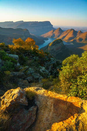 hiking the leopard trail, upper lookout, blyde river canyon in mpumalanga in south africa Reklamní fotografie - 151170513