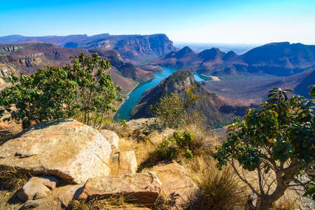 hiking the leopard trail, upper lookout, blyde river canyon in mpumalanga in south africa Reklamní fotografie - 151170520