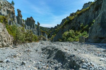 rock needles at putangirua pinnacles at wairarapa in new zealand 免版税图像