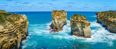 island arch from tom and eva lookout, port campbell national park, great ocean road, victoria, australia Reklamní fotografie