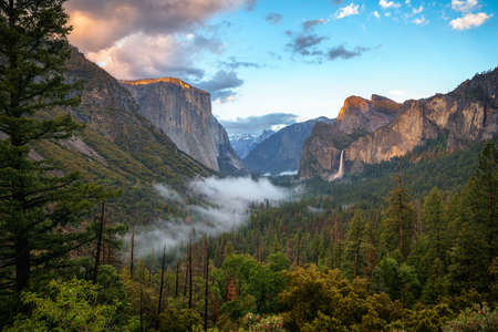 sunset at the tunnel view in yosemite national park in california in the usa