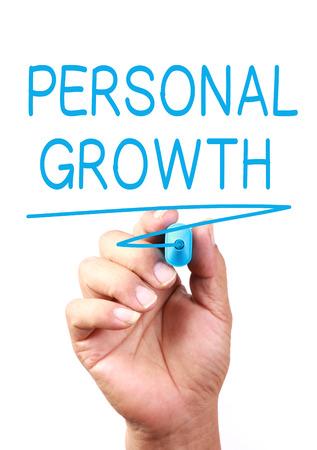 crecimiento personal: Crecimiento personal escrito en la pizarra transparente.