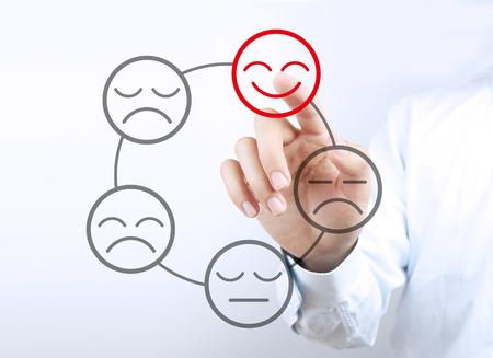 사업가 손을 투명 가상 스크린에 긍정적 인 개념을 가리키는. 스톡 콘텐츠 - 40373135