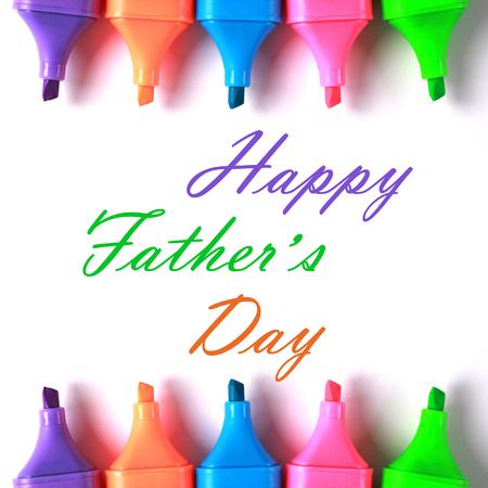 agradecimiento: Feliz Día del Padre con algunos marcadores de colores. Foto de archivo