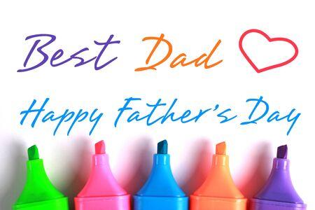 agradecimiento: Feliz D�a del Padre con algunos marcadores de colores. Foto de archivo