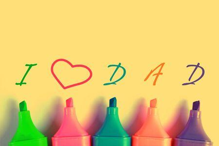 gratefulness: Amo texto pap� con algunos marcadores de colores.