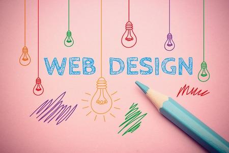 Business concept tekening op het papier met blauwe potlood opzij.