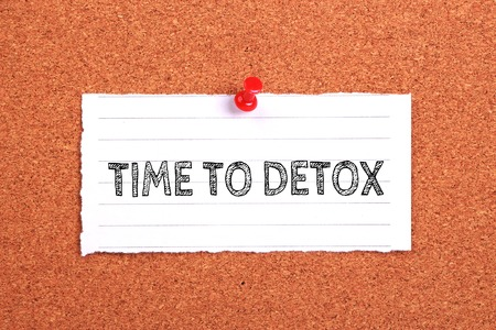 detoxing: Time To Detox note paper pinned on the cork background. Stock Photo
