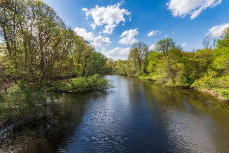 나무의 refelctions와 뉴 헤 이븐 코네티컷에서 밀 강 스톡 콘텐츠