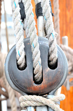 polea: old pulley rigging