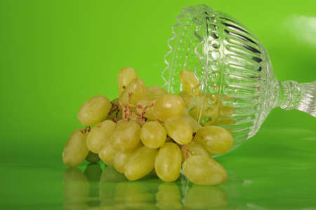 Green grapes with bowl