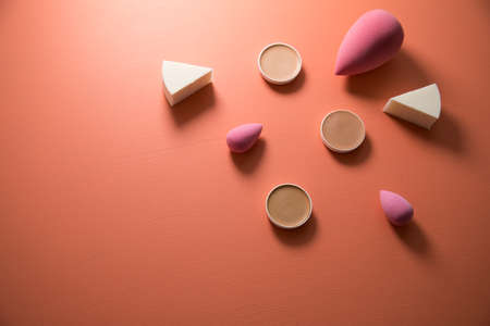 Make up sponges, beauty blender and camouflage pans