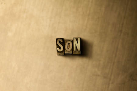 SOHN - Nahaufnahme des grungy Weinlese gesetzten Wortes auf Metallhintergrund. Lizenzfreie freie Abbildung. Kann für Online-Bannerwerbung und Direktwerbung verwendet werden.