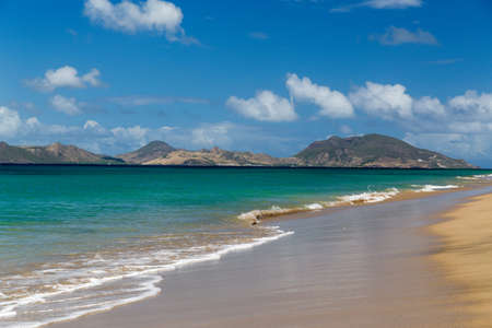 majors: St Kitts and The Narrows from Nevis