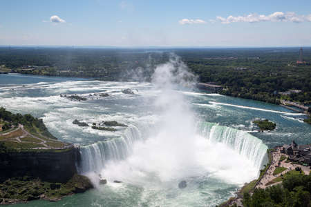 The beauty of Niagara Falls from the Canadian side Stok Fotoğraf - 83763256
