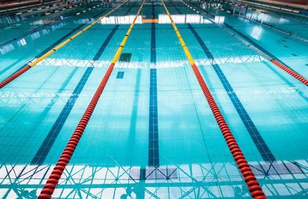 zwembad rijstroken met kleur markers