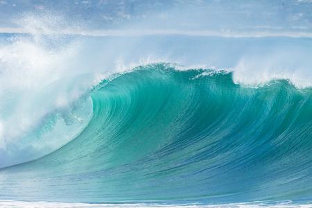 Ocean Wave hollow crashing curling breaking Sea Water Stockfoto