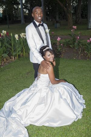 special day: Wedding Bride Groom garden outside portraits special day