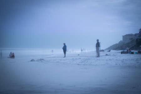 ブルー マウンテン ビーチで幽霊