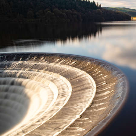 Ladybower Plug Hole Overflow Square Фото со стока - 121898225
