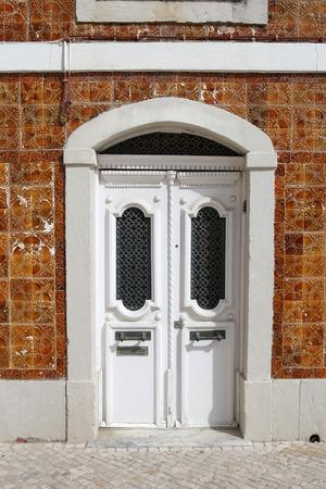 portuguese: portuguese elegant white door