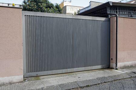 modern metal electric gate Reklamní fotografie