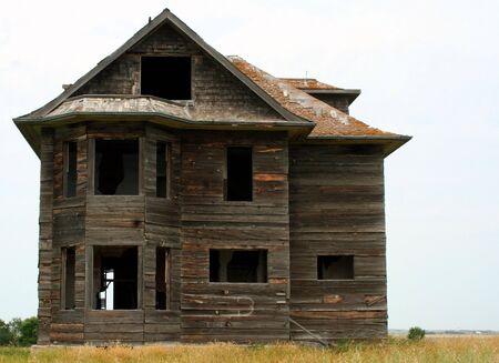 abandoned house in saskatchewan Stock Photo - 7752573
