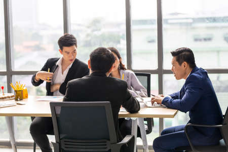Business teamwork meeting and present start up new project or Business Team Discussion Meeting Communication Concept Stockfoto