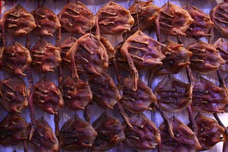 waxed: Una exhibici�n de pato chino encerado a la venta en el mercado